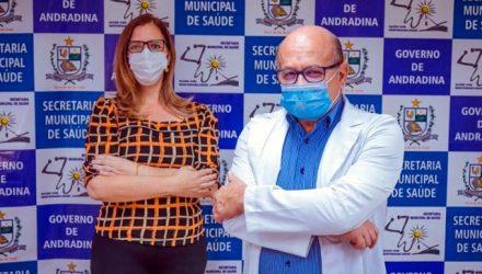 João Leme, secretário municipal de Saúde e Carla Back, Coordenadora de Atenção Primaria da Saúde. Foto: Secom/Prefeitura