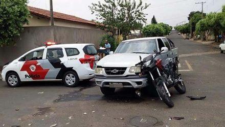 Acidente aconteceu no cruzamento das ruas Aquidauana com Silvio Shimizu, Vila Botega. Foto: MANOEL MESSIAS/Agência