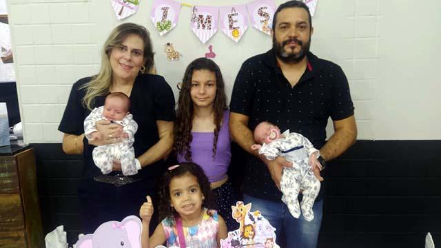 Maria Gabriela, Maria Clara, Maria Carolina ,Maria Eduarda,   Alex e Patrícia. Foto: MANOEL MESSIAS/Mil Noticias