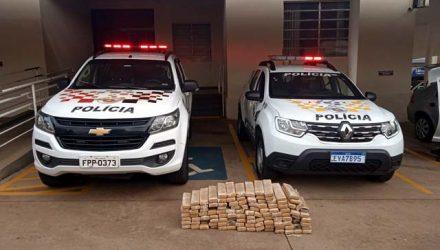 Policiais apreenderam tabletes de maconha em Fernandópolis (SP) — Foto: Polícia Rodoviária/Divulgação