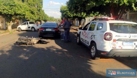 Mulher no Audi A5 tentava estacionar, quando moto atingiu traseira do Audi A5. Foto: MANOEL MESSIAS/Agência
