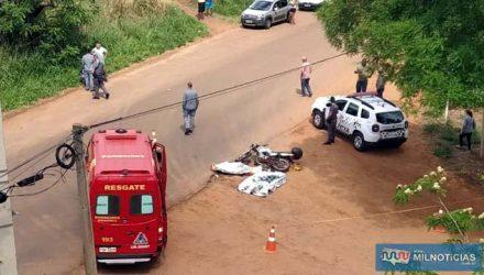 Acidente com duas vítimas fatais aconteceu quando caminhão acessava atalho de terra. Foto: MANOEL MESSIAS/Agência
