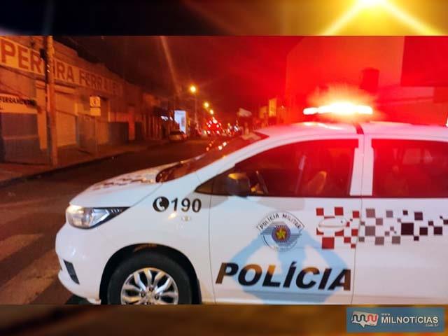 Quarteirão onde aconteceu o incêndio foi interditado pela PM para trabalho dos bombeiros. Foto: Divulgação